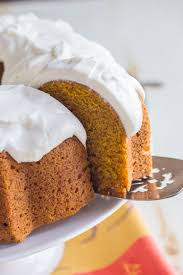 Pumpkin Spice Bundt Cake easiest cake ever es out of the pan looking fancy