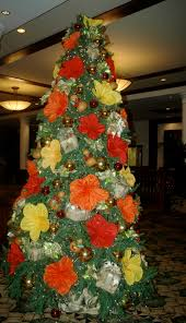 Mona Shores Tallest Singing Christmas Tree by Perfect For A Hawaiian Christmas Party Centerpieces Party