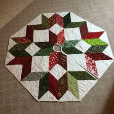 I Am Pretty Sure Never Making Another Christmas Tree Skirt Trying To Sew The Binding Around Hole In Middle Is Not Least Bit Fun And It