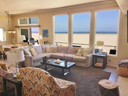 100 The Beach House Gold Coast 3437O 1076337 Lees At The REMAX Property
