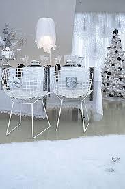 esszimmer weihnachtlich dekoriert in bilder kaufen