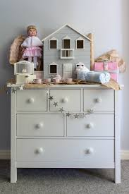 Sunday's Gift Guide With Pottery Barn Kids | Briar Stanley Loving Family Grand Dollhouse Accsories Bookcase For Baby Room Monique Lhuilliers Collaboration With Pottery Barn Kids Is Beyond Bunch Ideas Of Jennifer S Fniture Pating Pottery New Doll House Crustpizza Decor Capvating Home Diy I Can Teach My Child Barbie House Craft And Makeovpottery Inspired Of Hargrove Woodbury Gotz Jennifers Bookshelf