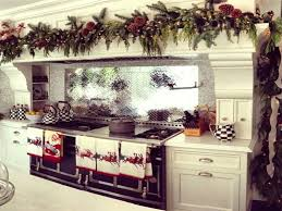 Above Kitchen Cabinet Christmas Decor by Kitchen Cabinets Garlands Over Oven In Kitchen Christmas