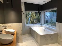 stimmiges bad in zeitloser marmoroptik fliesenraum ihre