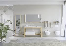 schrank in asche für badezimmer mit spiegel für bademäntel