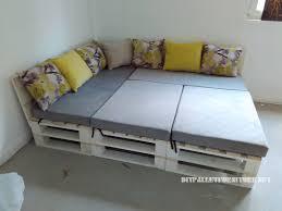 palette canapé canapé feuilletée et table de palettes convertible en lit