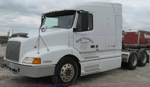 100 Volvo Semi Truck 1998 VN Semi Truck Item E3896 SOLD May 9 Construc