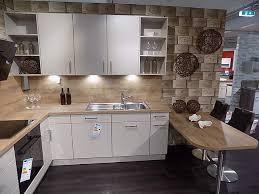 nobilia musterküche l küche mit ansatztisch