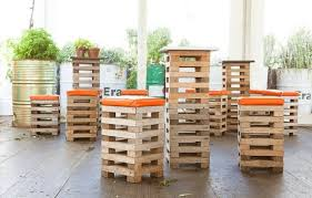 Pallet Furniture O Insteading