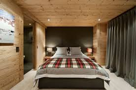 chambre en lambris bois décoration de chambre 55 idées de couleur murale et tissus