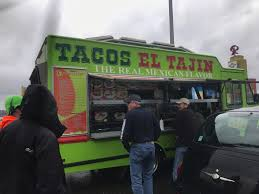 A Taco Truck Served Lunch To People Stuck In Traffic | Country 104.7 ...