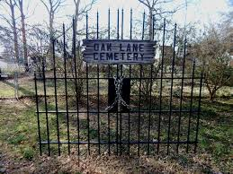 Halloween Cemetery Fence Ideas by The 25 Best Halloween Fence Ideas On Pinterest Diy Halloween