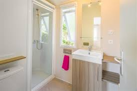 salle d eau chambre cottage 6 personnes 3 chambres 2 salles de bain cing