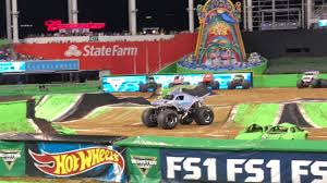 Monster Jam Miami 2018 Part 1 - YouTube