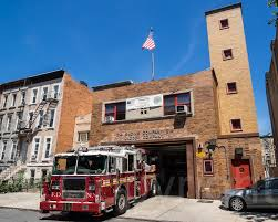 E214 FDNY Firehouse Engine 214 & Ladder 111, Bedford, Broo… | Flickr Seagrave Fire Apparatus Bedford Hills Fd Engine 199 Tower Ladder 57 198 Sav A Tree Ny 914 5286482 East Towing Cross River 9773900 Gourmet Food Truck Stock Photos Images New York Buff Media Eight Injured As Garbage Truck Crashes Through Filebedford Tk 66 Lsf Flatbed 2012 Hcvs Tynetees Runjpg Drink Menu Lunch Truck Restaurant Restaurants Ny Best Near Me