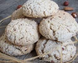 biscuits secs aux amandes et aux noisettes un peu comme des