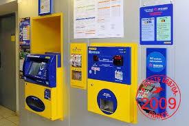 bureau de post bureau de poste la poste office photo glassdoor
