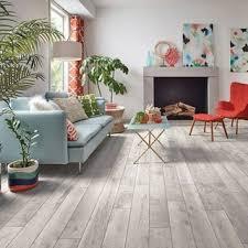 75 wohnzimmer mit vinylboden ideen bilder april 2021