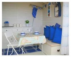 Beach Hut Themed Bathroom Accessories by 25 Unique Beach Hut Decor Ideas On Pinterest Coastal Hut Beach