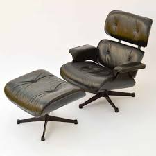 Vitra Eames Lounge Chair & Ottoman - Schwarz, Gebraucht Replica Eames Lounge Chairottoman Black Cowhide Leather Classic Lounge Chair Ottoman In 2019 Fniture And Restoration Ndw Design Blog A Guide For Buying Your Part I Best Herman Miller Mhattan Home Reinvents The Shock Mounts Of Full Aniline Platinum Reviews Find Buy Sand Collector