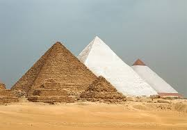 Originally The Pyramids Of Egypt Were Covered With A Shining Reflective Layer Made From Polished White Limestone This Would Have Them Truly