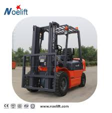 100 Capacity Trucks China 3000kg Diesel Engine Container Mast Forklift