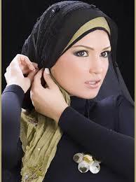 8 نصائح ذهبية لتحافظي على صحة شعركِ وجماله من تحت الحجاب