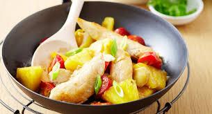 cuisiner avec un wok nos meilleures recettes avec un wok cuisine actuelle