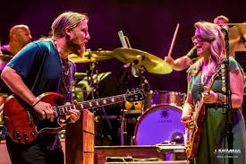Tedeschi Trucks Band - 07/29/2017 - Morrison, CO | PanicStream ... Tedeschi Trucks Band Leans On Covers At Red Rocks The Know Closes Out Heroic Boston Run Show Review 2 Derek And Susan Happily Sing The Blues Axs Photos 07292017 Marquee Welcomes Hot Tuna Wood Brothers In Arkansas 201730796435 Whats Going On Cover By Los Lobos 85 2016 Letter Youtube Tour Dates 2017 2018 With 35 Of A Mile In Allman Members