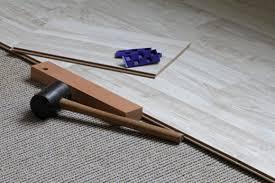 neuer bodenbelag auf alten teppich legen geht das