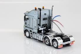 Drake - Kenworth K200 Prime Mover Silver. 1/50th Scale. - Gamestronics Sarielpl Kenworth Road Train Long Haul Trucker Newray Toys Ca Inc Diecast Truck Replica Dump 132 Scale Toy For Kids Revell 125 W900 Wrecker Amazoncouk Games Route 66 Trucks And Dcp 4026cab K100 Cabover Stampntoys Jual K200 Prime Mover Drake Gunmetal Grey Di Lapak Kinsmart Die Cast T700 Container Assorted Colours C509 Trailer Cqhh Zt09063 Elvis Presley Youtube With Nts Zt09039