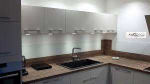 crédence en stratifié pour cuisine photos de cuisines réalisées sur mesures et installées sur nancy