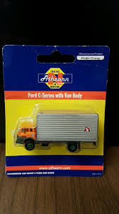N Scale - Athearn - 10085 - Truck, Ford C-Series - Great Northern Tomytec Nscale Truck Collection Set D Lpg Tanker Gundambuilder N Scale Classic Metal Works 50263 White Wc22 Kraft Finenscalehtml Oxford Diecast 1148 Ntcab002 Scania T Cab Curtainside Ian 54 Ford F700 Delivery Trucks Trainlife Gasoline Tanker Semi Magirus Truck Wiking 1160 Plastic Tender Truckslong Usrapr 484 Northern 1758020 Beer Trucks Athearn 91503c Cseries Cadian 100 Ton N11 Roller Bearing W Semiscale Wheelsets Black 1954 Green Giant 2 Pack 10 Different Ultimate Scale Trucks Bus Kits Most In Orig