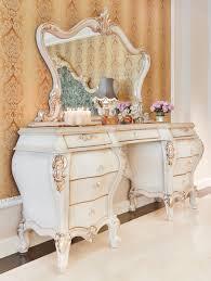 casa padrino luxus barock schlafzimmer set weiß creme gold 1 schminkkommode 1 spiegel prunkvolle schlafzimmer möbel im barockstil luxus