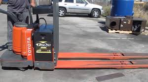 Toyota 8000 Lbs Electric Pallet Jack Lift Truck Ride On 8ft Forks ... Lift Stand Inc Made In The Usa Lifted 3d Owners What Are You Guys Doing For Jacks And Spares Outdoor Camper Shell Ideas Need Woodworking Talk Monster Truck Jack Trucks Gone Wild Classifieds Event Hummer X Forum View Topic Where Mounting Points Hi Photo Gallery Toyota 4000 Lbs Electric Pallet Jack Truck 48 Forks 24v On Best Floor For Autodeetscom To Place On A Small Mazda B2500 Ford Ranger Hilift Company Neoprene Covers Njc Free Shipping Nissan Titan High Truckhigh Hydraulic Jacks Set 32 Imposing