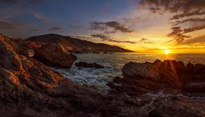 One Of My Favorite Sunrise Locations In Southern California Is Leo Carrillo Beach Which North Malibu Most The Coastline Faces Directly