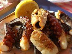 cuisiner poulpe frais recette de poulpe grillé au barbecue à la grecque miam