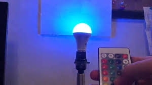 le remote controlled color changing a19 5w led light bulb review