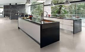 fliesen für die küche fliesen schwarz fliesen schwarz in