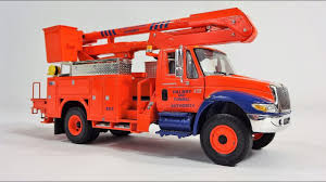 1:34 International IH 4400i Bucket Truck