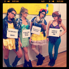 Famous Halloween Characters List by 21 Hilarious Group U0026 Trio Halloween Costume Ideas