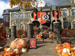 Halloween Blow Up Decorations by Robin Kencel Greenwich Ct Real Estate Halloween Decorating