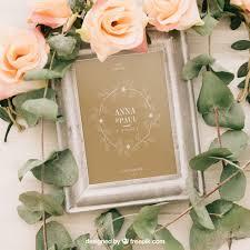 cadre photo mariage gratuit mariage maquette avec cadre fleurs et feuilles télécharger psd