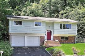 100 Nyc Duplex For Sale NYC Houses East Norwich 3 Bedroom House For