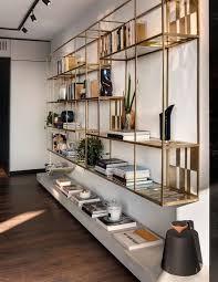 gold bookshelves wohnung gemütliche wohnung wohnzimmer