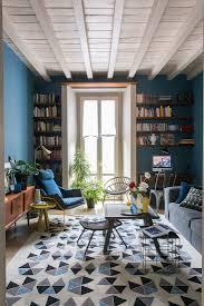teppich mit geometrischem muster im bild kaufen