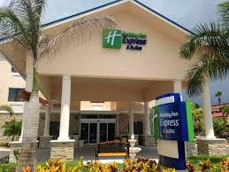 Holiday Inn Express & Suites Lantana Hotel by IHG