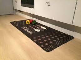 tapis pour cuisine comment choisir un tapis pour votre cuisine habitat