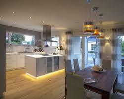 küche wohnzimmer in einem raum moderne keuken