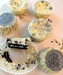 Martha Stewarts Cookies And Cream Cheesecakes 4